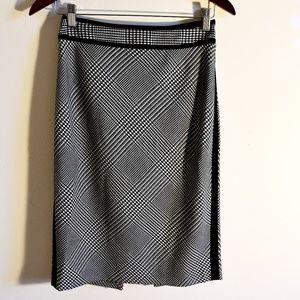 White House Black Market houndstooth print skirt